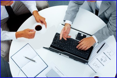 Luxury-Experience-business-people-communicating-at-work